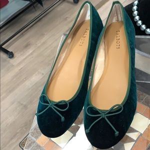 🔥🛍😃Green Suede Talbots Flats 🥿